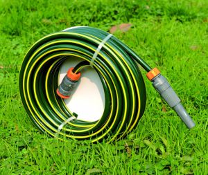 30m (100′) UV Resistant Reinforced PVC Garden Hose with Polyester Thread pictures & photos