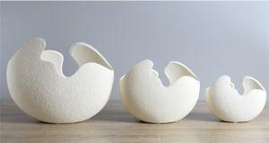 Handmade Creative White Modern Ceramic Vase Egg Shell Shaped for Homes Decorations Matt Finished Unglazed Flower Pot Vase pictures & photos