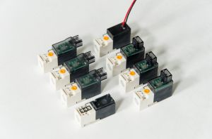 Micro Solenoid Valve (XY-10) for Textile Knitting Machine pictures & photos