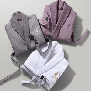 China Towel Factory Made OEM Customer Cotton White Hotel Bathrobe pictures & photos
