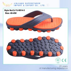 Latest Beach EVA Injection Man Slipper Flip Flops pictures & photos