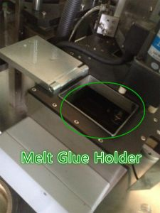 Hot Melt Glue Labelling Machine for Mineral Water Bottle pictures & photos