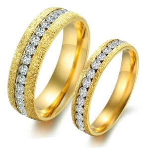 Fashion Diamond Golden Men Women Couple Rings Stainless Steel Jewelry pictures & photos