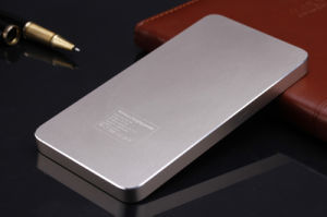 Qi Wireless Mobile Phone Charger Power Bank 10000 mAh pictures & photos