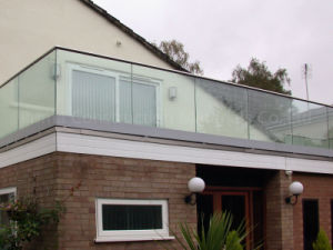 Exterior Frameless Glass Deck Railing with Aluminum U Channel Profile pictures & photos