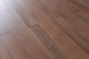 High Quality European Aak Three Layer Wood Flooring Lyst-016 pictures & photos