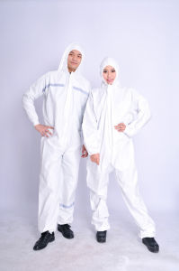 Dispsoable Surgical/Medical/Hospital/Dental/Food Grade Coverall pictures & photos