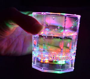 Cheap Colorful Dazzle Light-up Beer Cups