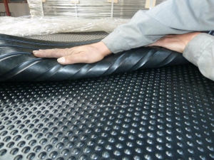 High Tensile Strength Round Stud Cow Rubber Mats