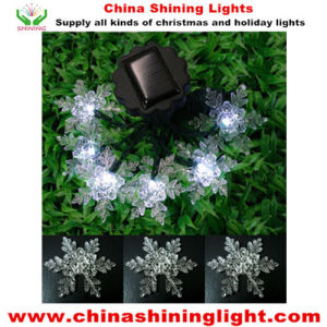 Snowflake Decoration Solar Panel Power Environmental Friendly LED Christmas Lights pictures & photos