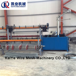 Diamond Mesh Fence Weaving Machine pictures & photos