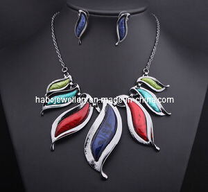 Big Fashion Resin Stone Necklace Set/Fashion Jewelry Set (XJW13209) pictures & photos