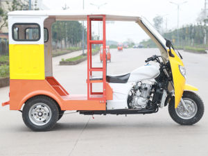 Hot Sell Motorized Closed Cabin Tricycle pictures & photos