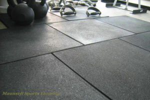 Cheap 2017 Hot Sale Rubber Roll/ Intelocking Gym Club Floor pictures & photos