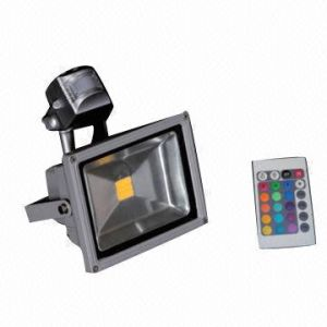 Waterproof IP65 Square Outdoor LED Flood Light 10W 30W with Remote Controller pictures & photos