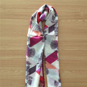 Women′s Wear Pure Wool Scarf in Print pictures & photos