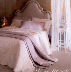 Embossed High Quality Luxury Quilt pictures & photos