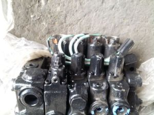 Komatsu Fb25-11/12 Multi-Way Valve for Forklift pictures & photos