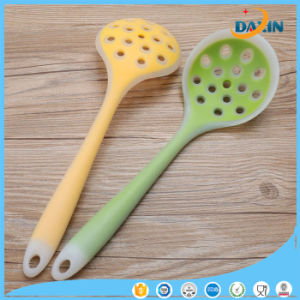 LFGB Standard Heat Resistant Silicone Rubber Spoon pictures & photos