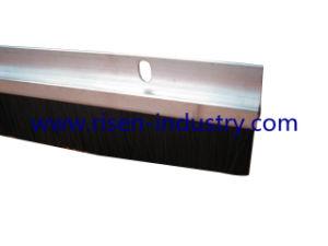 Door Brush with Aluminium Carrier (Db607 UK Type)