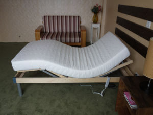 Electric Adjustable Bed with Memory Foam Mattress (Comfort 800) pictures & photos