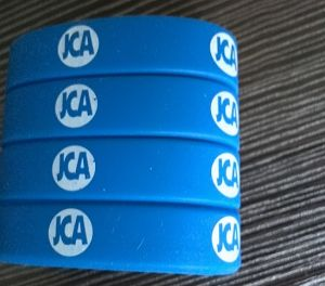 Eco-Friendly Customized Design Silicone Wriststrap (OM-S102) pictures & photos