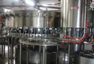 Automatic 3in1 Carbonated Drink Filling Machine for Soft Drinks Production Line pictures & photos
