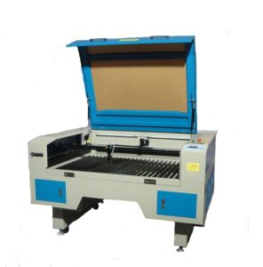 Top Quality Textile Fabric CO2 Laser Cutting Machine GS1490 60W pictures & photos