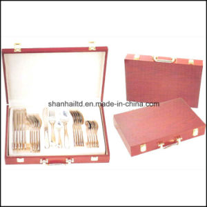 24PCS Cutlery Set with Wood Box pictures & photos
