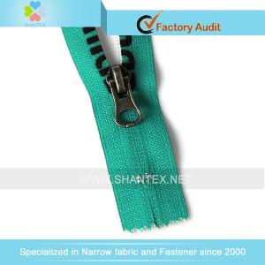 No. 5 Nylon Zipper Close End Reverse Slider. pictures & photos