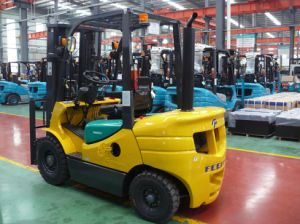 2.5ton Diesel Forklift with Japanese Engine Auto Transmission, pictures & photos