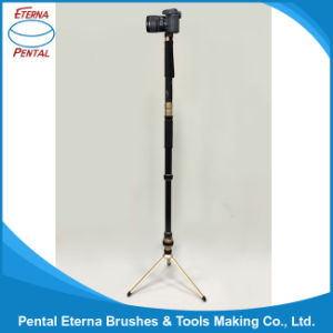 Portable Multifunctional Camera Tripod with Outdoor Lighting Mobile Power pictures & photos