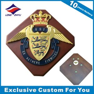 Wood Wall Shield with Crown Wood Trophy pictures & photos