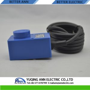Lmf12 Angular Column Type Inductive Proximity Sensor Switch pictures & photos
