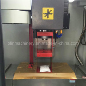 Bl-Y500/600hot Sale CNC Milling Machine/Vmc CNC Machining Center with Germany Technology pictures & photos