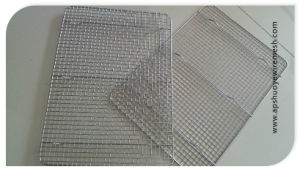 Weled Wire Mesh Cooling Rack for Cake or Bread pictures & photos