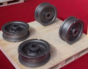 Casting Parts, Sand Casting, Ductile Iron 700-3 Road-Wheel Casting Parts, Demag Parts pictures & photos