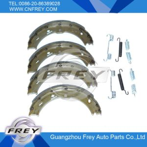 Brake Shoe for Mercedes Benz Sprinter OEM 9064200320 pictures & photos