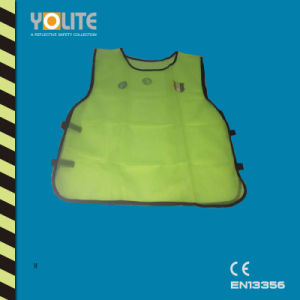 Reflective Safety Green Vest for CE En 13356 pictures & photos
