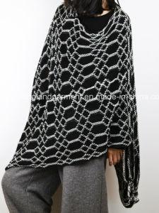 Acrylic Fashion Lady Winter Warm Jacquarded White Fringe Woven Poncho pictures & photos