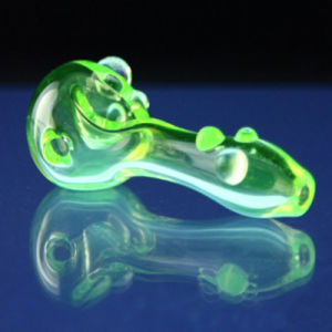 Glass Simple Illuminati Spoon for Smoke with Green Color (ES-HP-072) pictures & photos