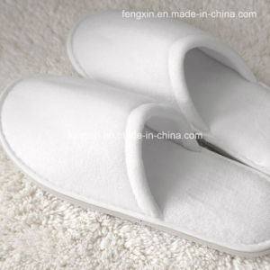 Disposable Velvet White Hotel Slippers pictures & photos