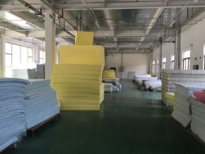Roll Packing Memory Foam Mattress pictures & photos