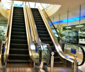 CE Approved Indoor Escalator (SRH) pictures & photos