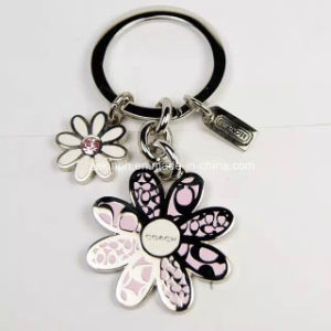 Customized Flower Zinc Alloy Key Chains pictures & photos