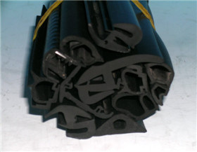 Manufacture Customized Rubber Extrude Parts pictures & photos