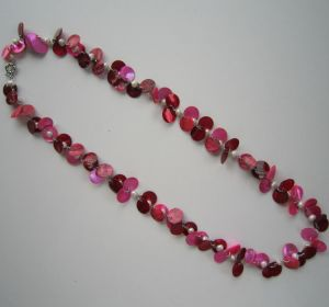 Bright-Coloured Fashion Necklace Made of Freshwater Pearl$Shell Beads pictures & photos