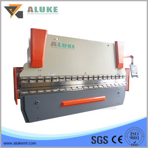 Hydraulic Bending Machine for Metal Product with OEM Features pictures & photos