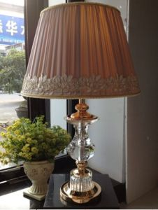 Phine 90271 Clear Crystal Table Lamp with Fabric Shade pictures & photos