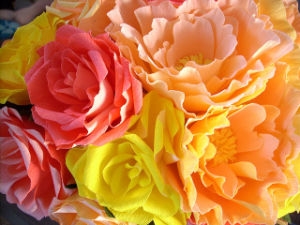 Crepe Paper with Low Weight for Making Decoration Flowers, Packing pictures & photos